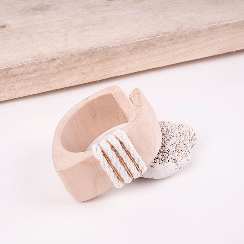UNUSUAL JEWELLERY COLLECTIONS WHITE WOOD